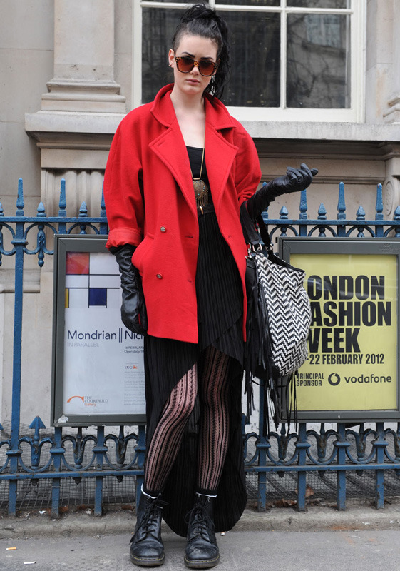 londres-moda-calle-london-street-style-modaddiction-street-look-fashion-week-moda-londres-london-trends-tendencias-grunge