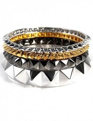 tendencia-clavos-otono-invierno-2012-modaddiction-moda-fashion-trends-tendencias-botines-ropa-accesorio-chaqueta-camisa-pulsera-noir-jewelry