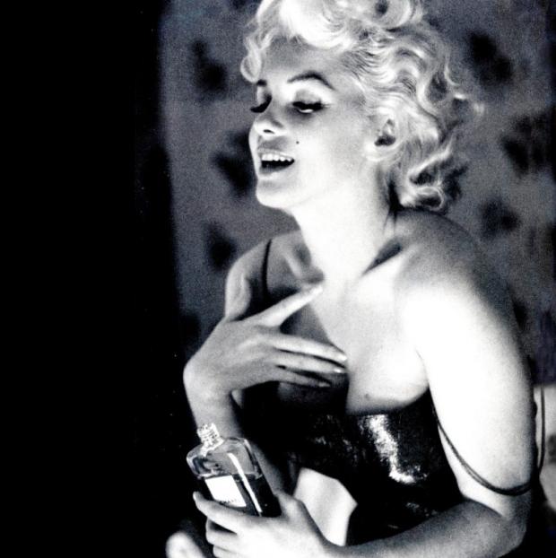 chanel-n°5-brad-pitt-perfume-fragancia-frangance-coco-chanel-paris-modaddiction-moda-fashion-elegancia-trends-tendencias-parfum-marilyn-monroe