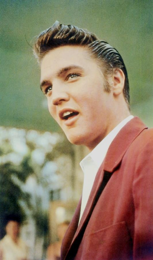 famosos-hipster-estilo-people-celebs-estrellas-modaddiction-moda-fashion-hipster-style-men-women-trends-tendencias-hollywood-Elvis-Presley