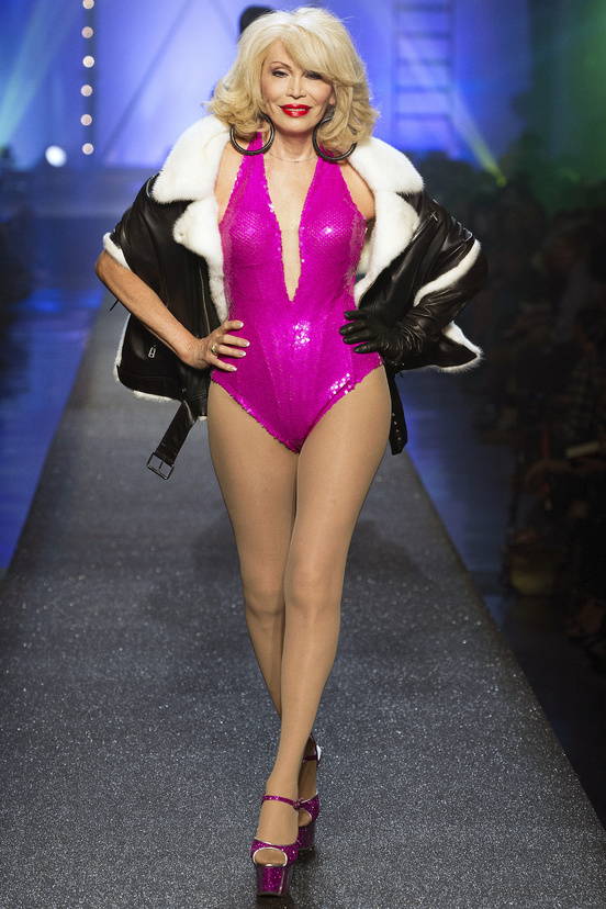 Jean-Paul-Gaultier-paris-fashion-week-modaddiction-spring-summer-2013-primavera-verano-2013-moda-fashion-trends-tendencias-looks-1980-estilo-1980-amanda-lear