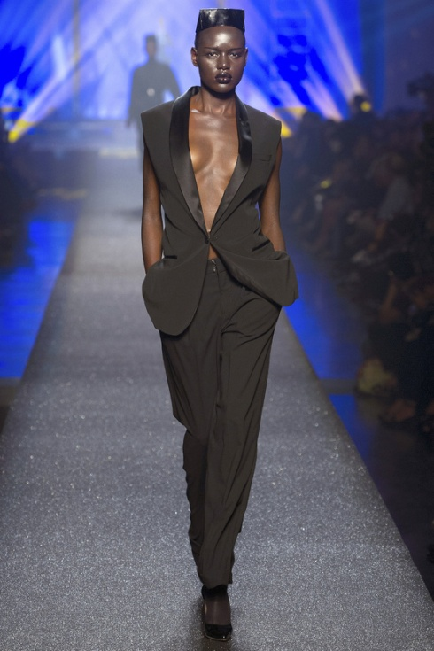 Jean-Paul-Gaultier-paris-fashion-week-modaddiction-spring-summer-2013-primavera-verano-2013-moda-fashion-trends-tendencias-looks-1980-estilo-1980-grace-jones