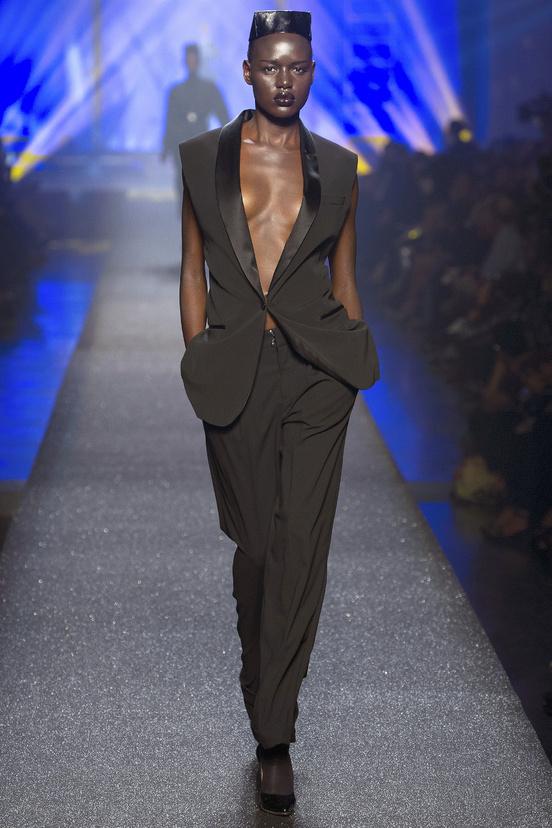 Jean-Paul-Gaultier-paris-fashion-week-modaddiction-spring-summer-2013-primavera-verano-2013-moda-fashion-trends-tendencias-looks-1980-estilo-1980-grace-jones