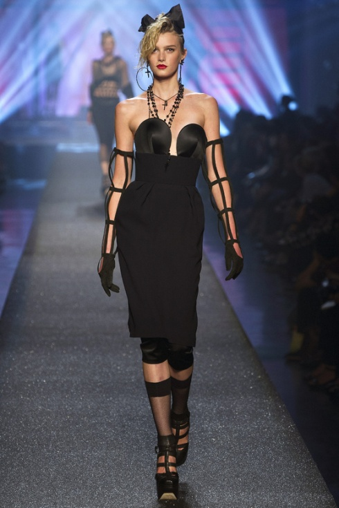 Jean-Paul-Gaultier-paris-fashion-week-modaddiction-spring-summer-2013-primavera-verano-2013-moda-fashion-trends-tendencias-looks-1980-estilo-1980-madonna