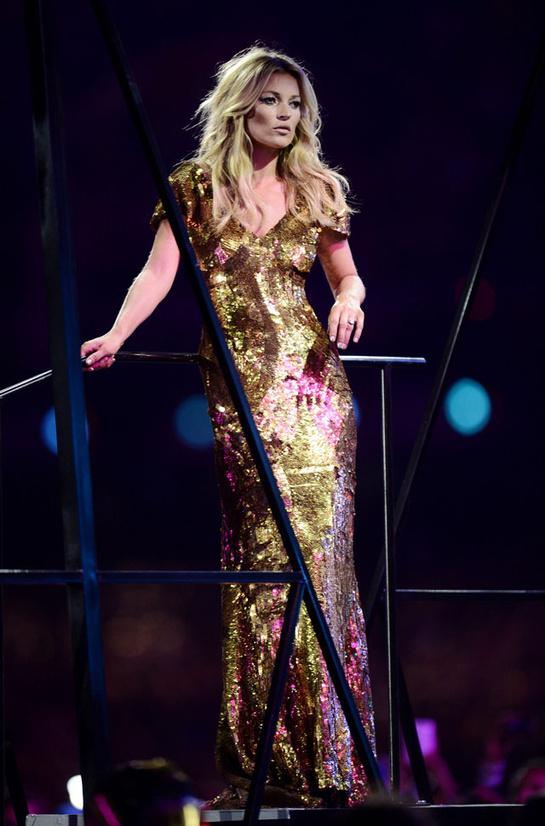 looks-kate-moss-estilos-modaddiction-modelo-top-model-moda-fashion-trends-tendencias-vogue-paris-alexander-mcqueen