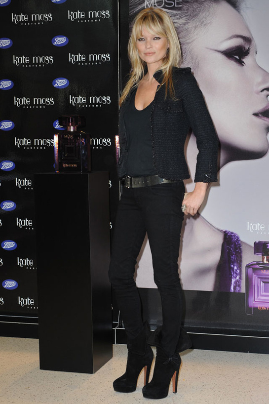 looks-kate-moss-estilos-modaddiction-modelo-top-model-moda-fashion-trends-tendencias-vogue-paris-chanel-2