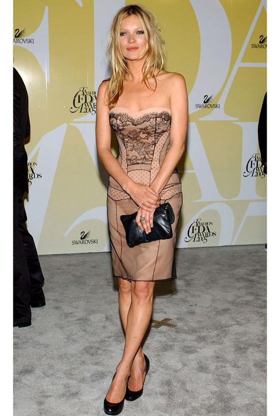looks-kate-moss-estilos-modaddiction-modelo-top-model-moda-fashion-trends-tendencias-vogue-paris-dior-couture