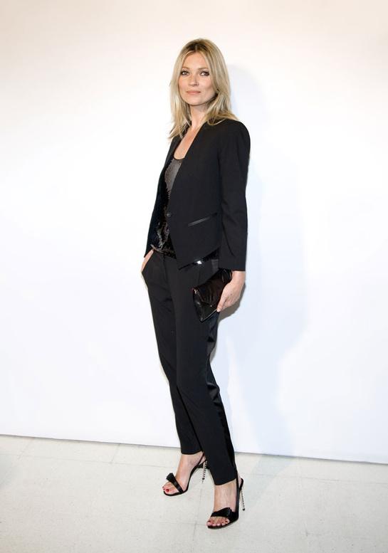 looks-kate-moss-estilos-modaddiction-modelo-top-model-moda-fashion-trends-tendencias-vogue-paris-mango-smoking