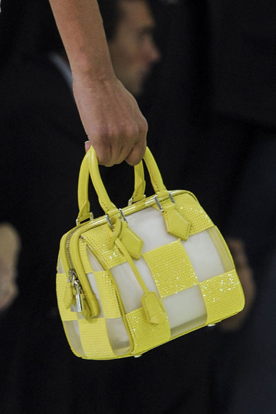 paris-fashion-week-must-have-primavera-verano-2013-spring-summer-2013-modaddiction-moda-fashion-trends-tendencias-semana-moda-mini-bolso-louis-vuitton