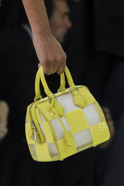 paris-fashion-week-must-have-primavera-verano-2013-spring-summer-2013-modaddiction-moda-fashion-trends-tendencias-semana-moda-mini-bolso-louis-vuitton