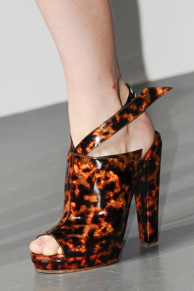 paris-fashion-week-must-have-primavera-verano-2013-spring-summer-2013-modaddiction-moda-fashion-trends-tendencias-semana-moda-zuecos-mugler