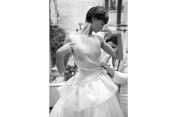 taller-dior-alta-costura-backstage-haute-couture-dior-modaddiction-paris-livre-book-christian-dior-SS-2012-PV-2012-vogue-paris-dior-30-avenue-montaigne-moda-fashion-4