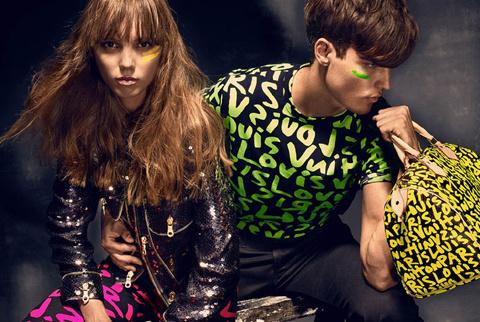 coleccion-capsula-marketing-modaddiction-moda-fashion-colaboracion-collaboration-edition-limited-edicion-limitada-trends-tendencias-collection-louis-vuitton-stephen-sprouse