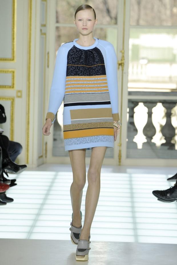 nicolas-ghesquiere-balenciaga-modaddiction-disenador-moda-designer-fashion-paris-pasarelas-musas-estilo-paperwok-2010-2011