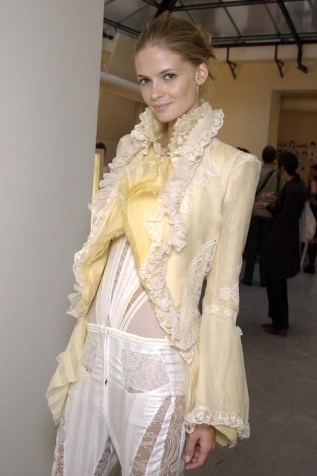nicolas-ghesquiere-balenciaga-modaddiction-disenador-moda-designer-fashion-paris-pasarelas-musas-estilo-versailles-2006