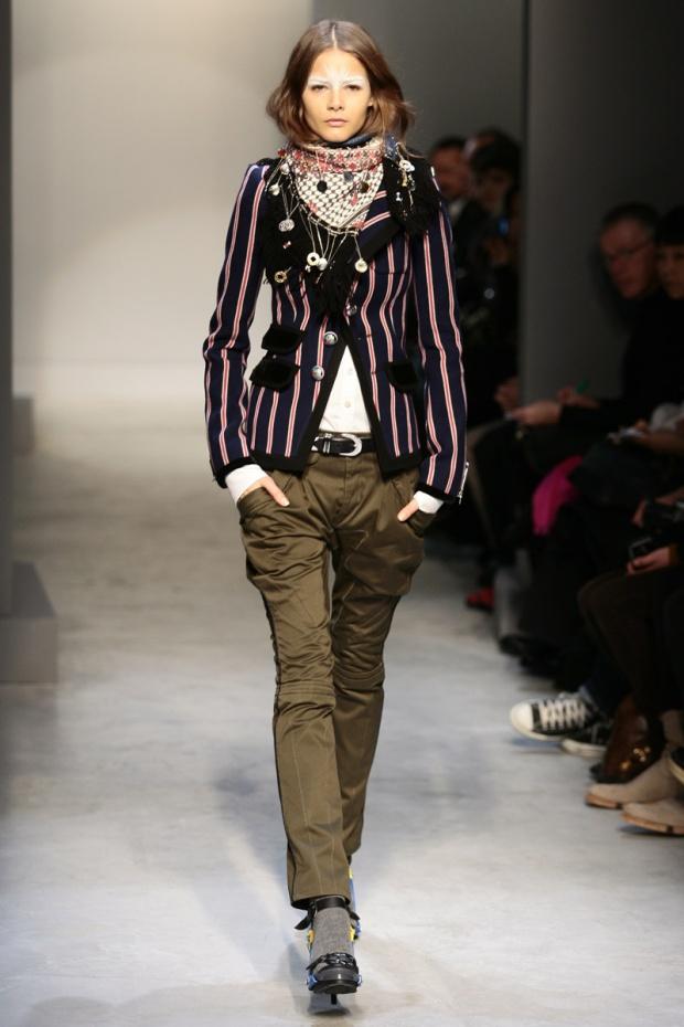 nicolas-ghesquiere-balenciaga-modaddiction-disenador-moda-designer-fashion-paris-pasarelas-musas-pañuelo-palestino-keffiyeh-2007-2008