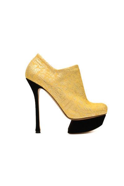 victoria's-secret-shoes-zapatos-calzado-modaddiction-desfile-catwalk-runway-pasarela-nicholas-kirkwood-zapatillas-tacones-lentejuelas-2
