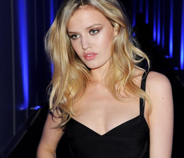 ask-men-mujeres-sexy-mundo-women-attractive-world-modaddiction-people-famosa-celebs-star-trends-tendencias-moda-fashion-celebrities-georgia-jagger