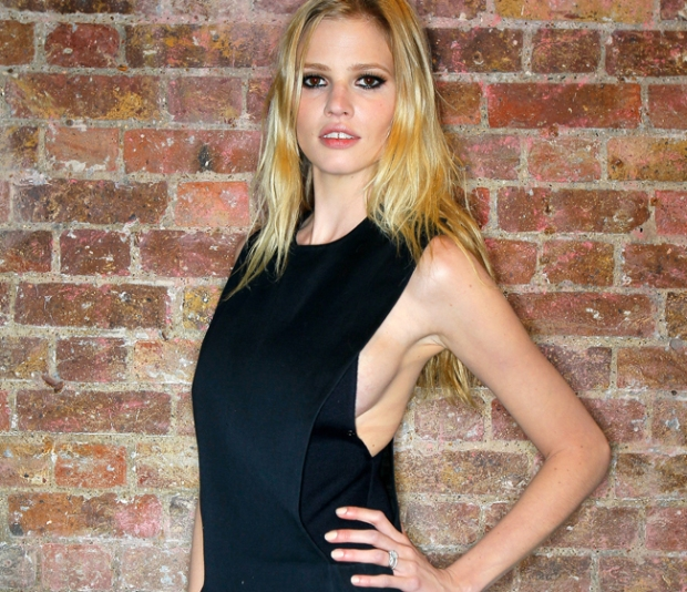 ask-men-mujeres-sexy-mundo-women-attractive-world-modaddiction-people-famosa-celebs-star-trends-tendencias-moda-fashion-celebrities-lara-stone