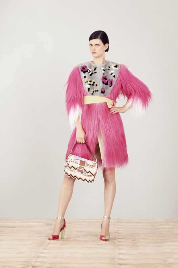 Fendi-coleccion-crucero-2013-collecion-cruise-2013-modaddiction-fendi-italia-roma-karl-lagerfeld-steve-stolbard-moda-fashion-geomatria-lego-pieles-cuero-lookbook-15