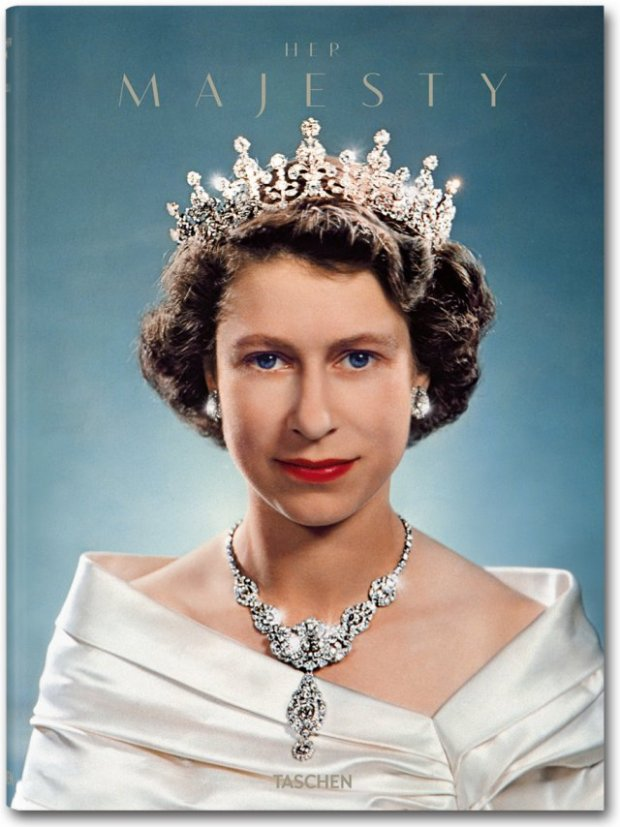 her-majesty-taschen-libro-book-elisabeth-II-isabel-II-inglaterra-england-modaddiction-arte-art-moda-fashion-fotografia-photography-5