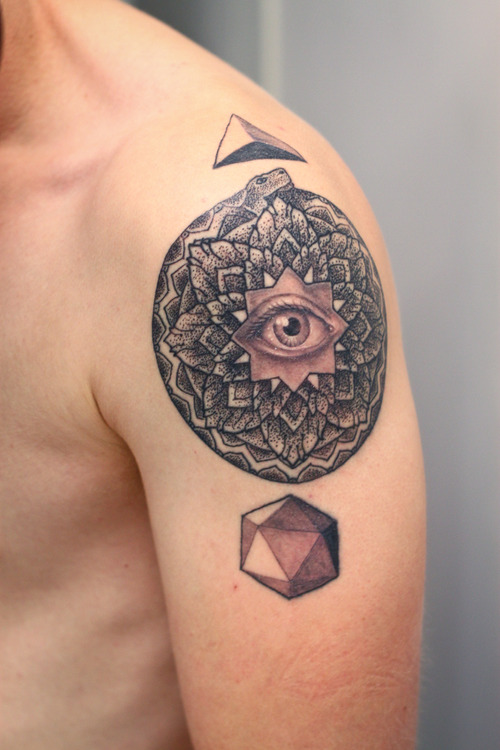 hipster-tattoo-tatuaje-hipster-tendencia-trends-modaddiction-estilo-look-moda-fashion-moderno-mujer-hombre-man-woman-minimalista-grafico-ojo-eye