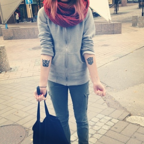 hipster-tattoo-tatuaje-hipster-tendencia-trends-modaddiction-estilo-look-moda-fashion-moderno-mujer-hombre-man-woman-walt-disney-manga