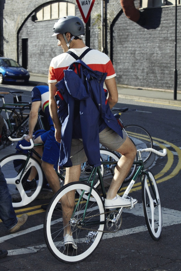 H&M-Brick-Lane-Bike-moda-hombre-fashion-man-menswear-bicicleta-chic-hipster-modaddiction-h&m-marzo-2013-march-2013-trends-tendencias-urban-urbano-deporte-casual-sport-hombre-man-1