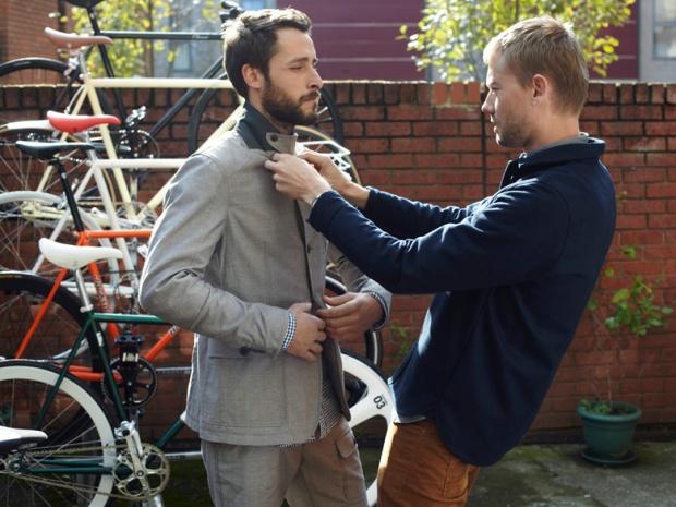 H&M-Brick-Lane-Bike-moda-hombre-fashion-man-menswear-bicicleta-chic-hipster-modaddiction-h&m-marzo-2013-march-2013-trends-tendencias-urban-urbano-deporte-casual-sport-hombre-man-2
