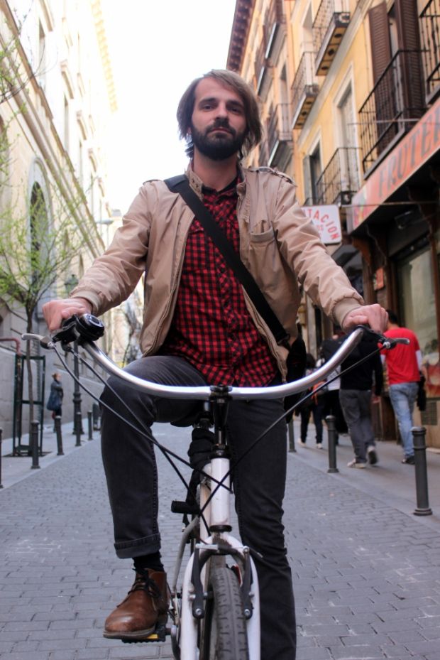 H&M-Brick-Lane-Bike-moda-hombre-fashion-man-menswear-bicicleta-chic-hipster-modaddiction-h&m-marzo-2013-march-2013-trends-tendencias-urban-urbano-deporte-casual-sport-smart-riders-7