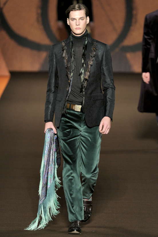 moda-hombre-fiesta-fina-ano-fashion-man-menswear-party-end-year-navidad-christmas-ano-nuevo-new-year-modaddiction-trends-tendencias-2012-2013-chic-casual-smart-noche-night-etro