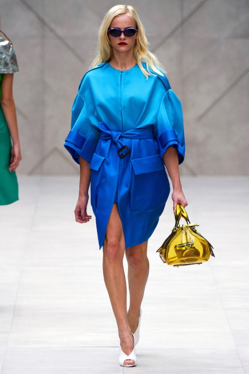 Tendencias-primavera-verano-2013-trends-spring-summer-2013-fashion-week-semana-moda-modaddiction-runway-desfile-design-diseno-vintage-pastel-color-paris-londres-burberry-prorsum