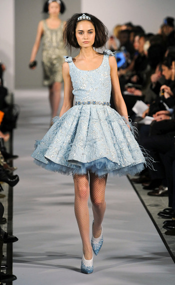 vestido-fiestas-noche-navidad-dress-party-night-christmas-modaddiction-chic-glamour-moda-fashion-trends-tendencias-estilo-look-winter-2012-invierno-2012-dancing-bailar-oscar-de-la-renta