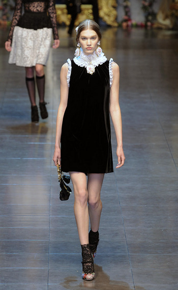 vestido-fiestas-noche-navidad-dress-party-night-christmas-modaddiction-chic-glamour-moda-fashion-trends-tendencias-estilo-look-winter-2012-invierno-2012-little-black-dress-dolce-&-gabbana