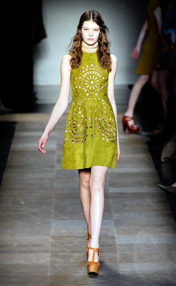 vestido-fiestas-noche-navidad-dress-party-night-christmas-modaddiction-chic-glamour-moda-fashion-trends-tendencias-estilo-look-winter-2012-invierno-2012-sofisticado-carven