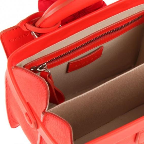 Carven-doctor-bag-bolso-guillaume-henry-it-bag-it-bolso-modaddiction-azul-blue-rojo-coral-red-moda-fashion-trends-tendencias-primavera-verano-2013-spring-summer-2013-4