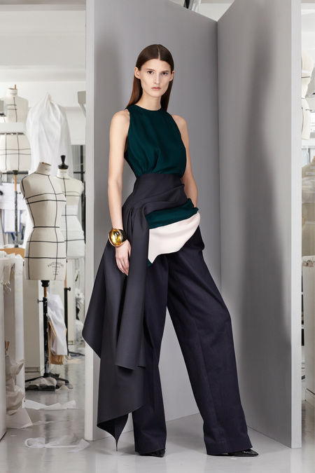 christian-dior-lookbook-pre-fall-winter-2013-avance-otono-invierno-2013-modaddiction-mujer-woman-chic-lujo-moda-fashion-estilo-look-2