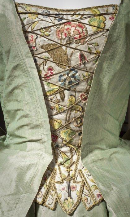 exposicion-fashioning-fashion-moda-europea-exhibition-historia-history-museo-artes-decorativos-paris-europa-modaddiction-arte-art-ropa-moda-fashion-culture-cultura-4