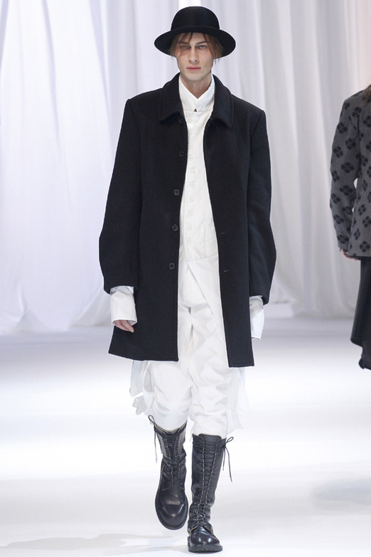 fashion-week-men-man-semana-moda-menswear-hombre-paris-modaddiction-otono-invierno-2013-2014-fall-winter-moda-fashion-trends-tendencias-desfile-catwalk-blanco-negro-black-white