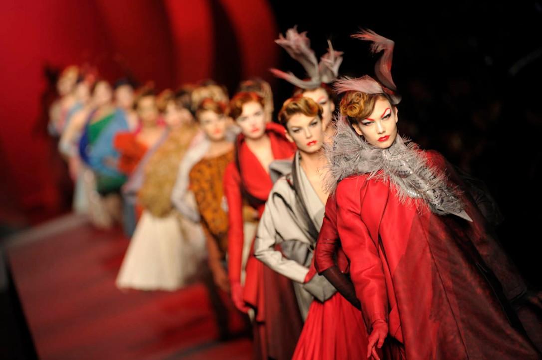 haute-couture-alta-costura-maisons-moda-casas-fashion-semana-week-lujo-luxe-modaddiction-paris-francia-france-trends-tendencias-culture-cultura-design-diseno-designer-disenador