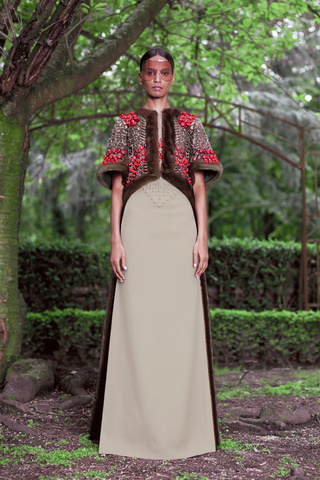 haute-couture-alta-costura-maisons-moda-casas-fashion-semana-week-lujo-luxe-modaddiction-paris-francia-france-trends-tendencias-culture-cultura-design-diseno-givenchy-fw-2012