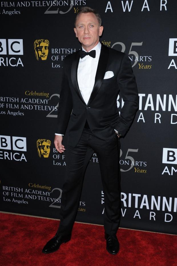 hombres- màs-elegantes-2012-gq-espana-man-best-dressed-2012-gq-spain-modaddiction-men-hombre-menswear-suit-smoking-esmoquin-chic-moda-fashion-hollywood-actor-daniel-craig