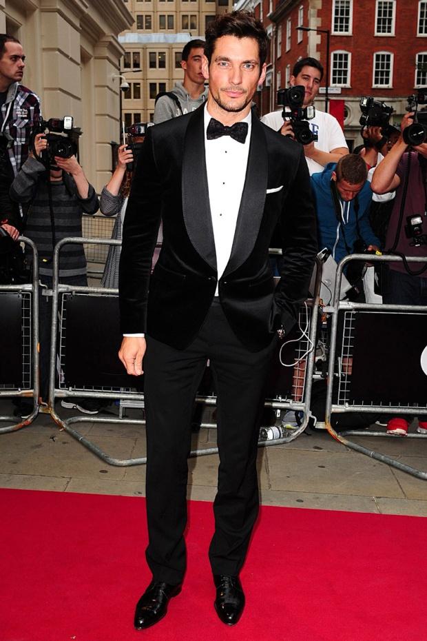 hombres- màs-elegantes-2012-gq-espana-man-best-dressed-2012-gq-spain-modaddiction-men-hombre-menswear-suit-smoking-esmoquin-chic-moda-fashion-hollywood-actor-david-gandy