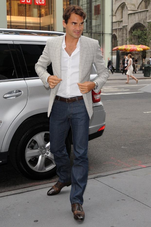 hombres- màs-elegantes-2012-gq-espana-man-best-dressed-2012-gq-spain-modaddiction-men-hombre-menswear-suit-smoking-esmoquin-chic-moda-fashion-hollywood-actor-joseph-roger-federer