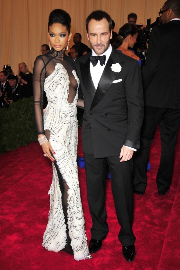 hombres- màs-elegantes-2012-gq-espana-man-best-dressed-2012-gq-spain-modaddiction-men-hombre-menswear-suit-smoking-esmoquin-chic-moda-fashion-hollywood-actor-tom-ford