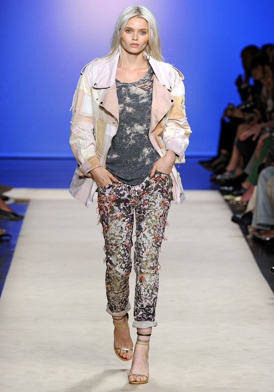 isabel-marant-disenadora-moda-designer-fashion-diseno-design-paris-modaddiction-trends-tendencias-casual-chic-sport-elegancia-masculino-femenino-smart-glamour-jeans-usados-vaqueros