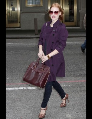 jessica-chastain-it-bag-it-bolso-complemento-accesorios-accessories-handbags-modaddiction-actriz-actress-moda-fashion-hollywood-street-style-street-look-alexander-mcqueen