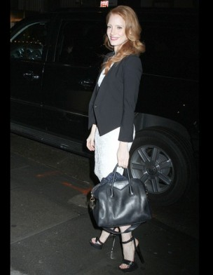 jessica-chastain-it-bag-it-bolso-complemento-accesorios-accessories-handbags-modaddiction-actriz-actress-moda-fashion-hollywood-street-style-street-look-givenchy