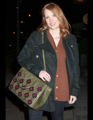 jessica-chastain-it-bag-it-bolso-complemento-accesorios-accessories-handbags-modaddiction-actriz-actress-moda-fashion-hollywood-street-style-street-look-prada