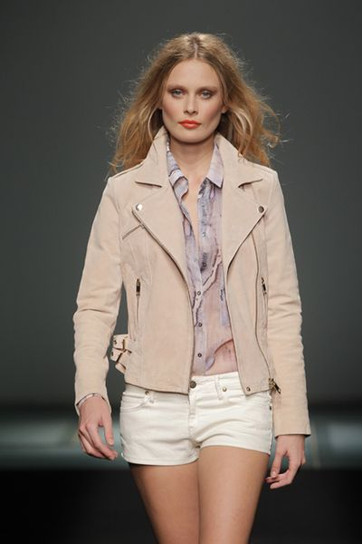 mango_080_barcelona_fashion_moda_coleccion_collection_winter_invierno_2013_204_tendencias_trends_modaddiction_24